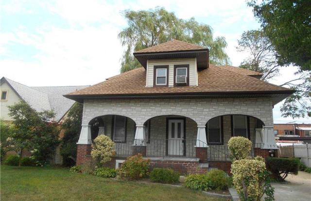 189 Banbury Road - 189 Banbury Road, Mineola, NY 11501