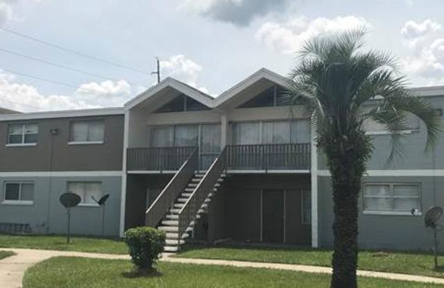 Villas at Cedar Creek - 5821 San Juan Ave, Jacksonville, FL 32210