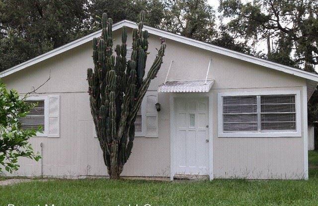 6914 Waycross Ave - 6914 Waycross Avenue, East Lake-Orient Park, FL 33619