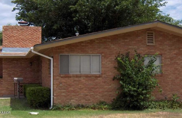 2416 JUNIPER DR - 2416 Juniper Drive, Amarillo, TX 79109