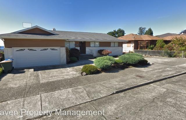 5635 47th Ave SW - 5635 47th Avenue Southwest, Seattle, WA 98136