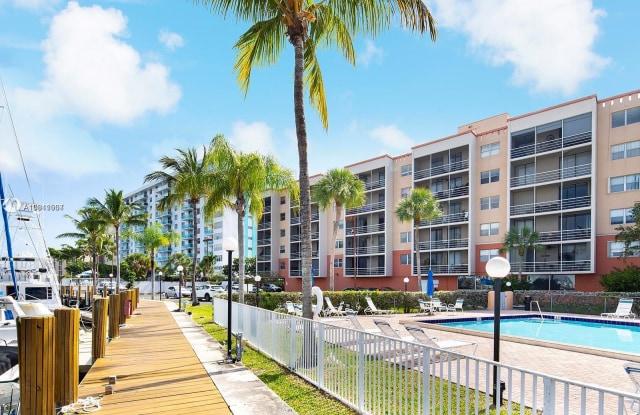 2821 N Miami Beach Blvd - 2821 Northeast 163rd Street, North Miami Beach, FL 33160