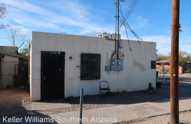 2202 S. 5th Ave., Apt. 2 - 2202 South 5th Avenue, South Tucson, AZ 85713