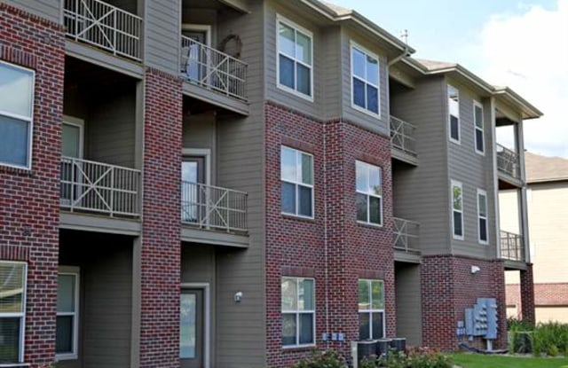River Park by Broadmoor - 20 S 41st St, Council Bluffs, IA 51501