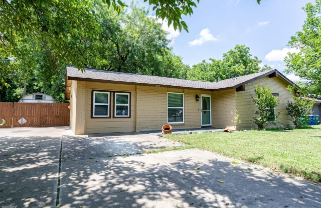 4905 Richmond Ave - 4905 Richmond Avenue, Austin, TX 78745