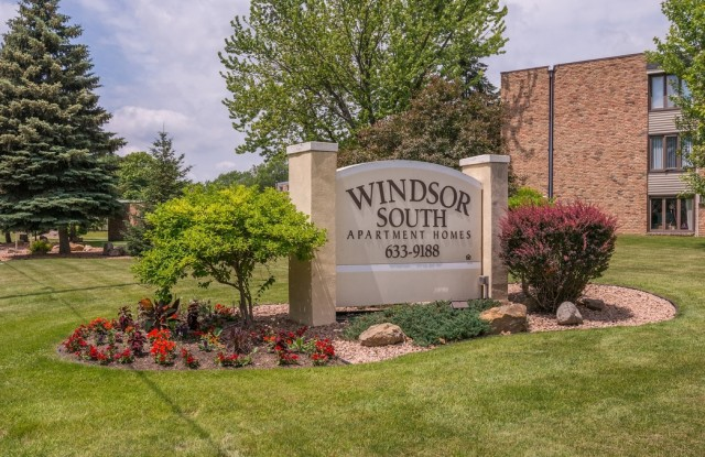 Windsor South Apartments - 2280 Silver Ln, New Brighton, MN 55117