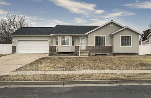 331 E 1100 N - 331 East 1100 North, Layton, UT 84041