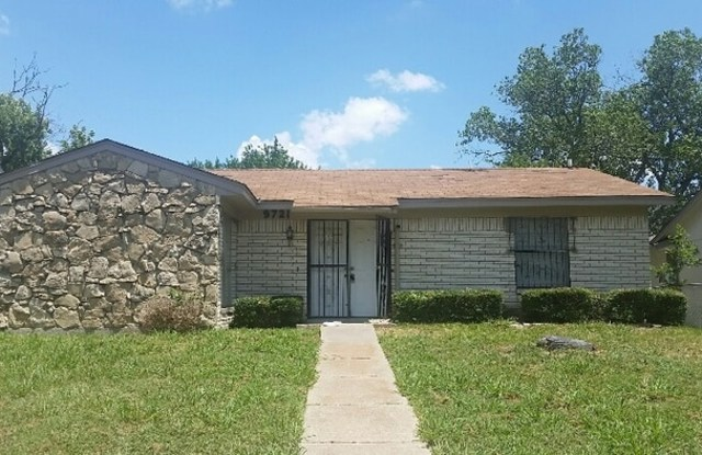 9721 Limestone Dr - 9721 Limestone Drive, Dallas, TX 75217