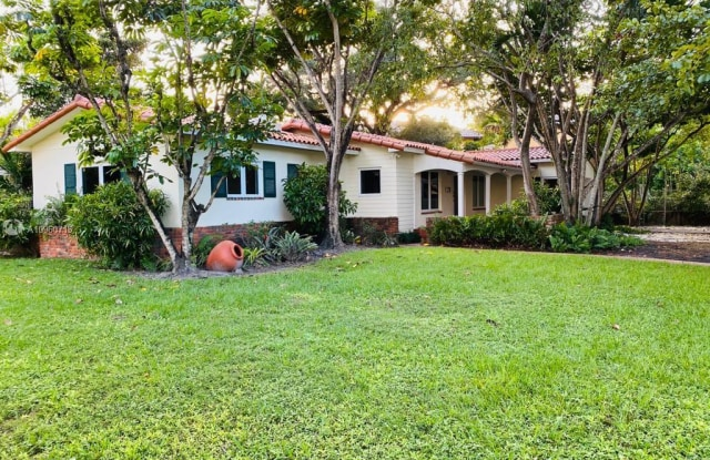 800 Andalusia Ave - 800 Andalusia Ave, Coral Gables, FL 33134