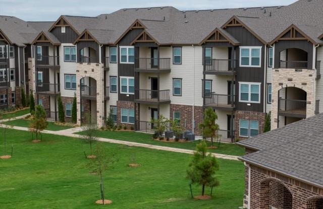 The Bend at New Road Apartments - 3000 South New Road, Waco, TX 76706