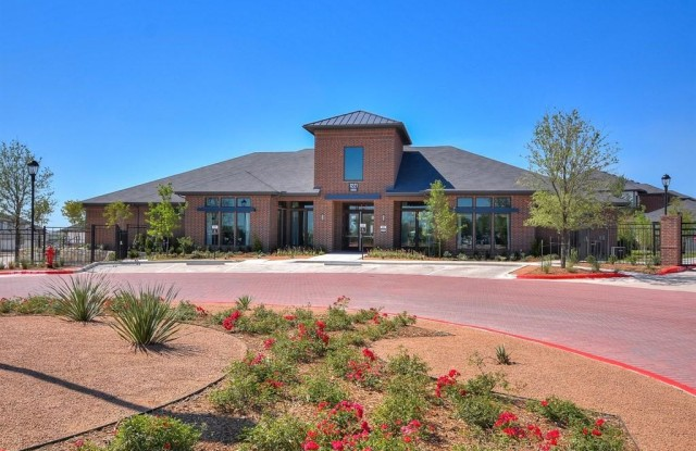 The Emerson - 1221 New Meister Ln, Pflugerville, TX 78660