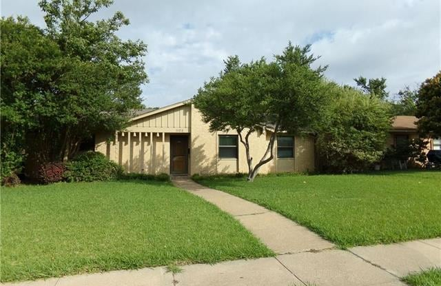 1105 Mill River Drive - 1105 Mill River Drive, Garland, TX 75043