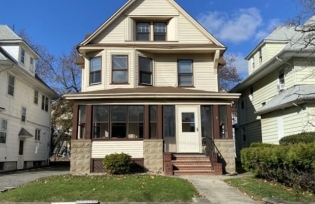 4 CLAREMONT PL - 4 Claremont Place, Essex County, NJ 07042