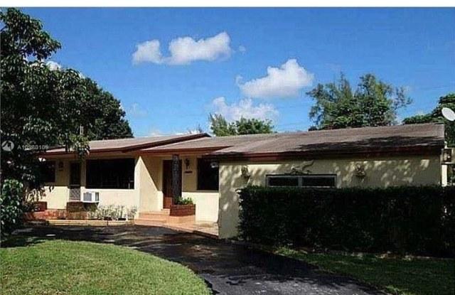 14525 NE 2nd Ave - 14525 NE 2nd Ave, Golden Glades, FL 33161