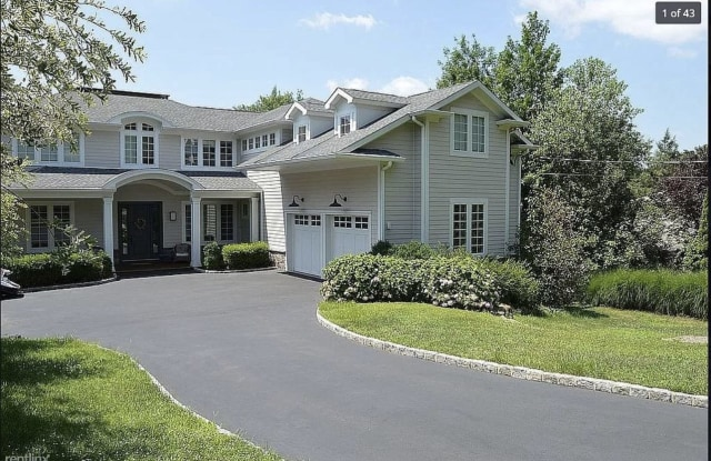 256 Parsells Ln - 256 Parsells Lane, Closter, NJ 07624