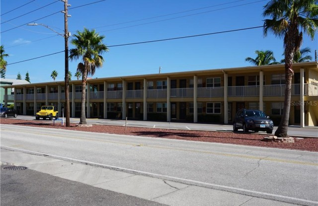 8465 W GULF BOULEVARD - 8465 West Gulf Boulevard, Treasure Island, FL 33706