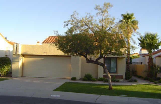 10055 E SAN BERNARDO Drive - 10055 East San Bernardo Drive, Scottsdale, AZ 85258