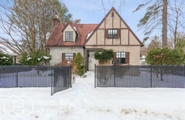 72 Home Avenue - 72 Home Avenue, Meriden, CT 06451