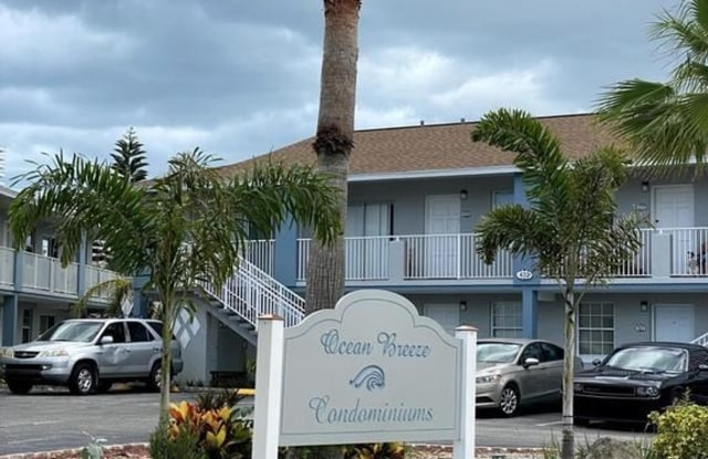 439 Auburn Drive 202 - 439 Auburn Drive, Daytona Beach, FL 32118