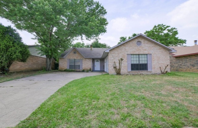 5014 Sandalwood Ln - 5014 Sandalwood Lane, Arlington, TX 76017