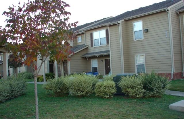 Highlands Apartments - 804 Shepherd St, Fort Scott, KS 66701