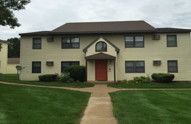 Country View Apartments - 2420 30th Ave NW, Rochester, MN 55901