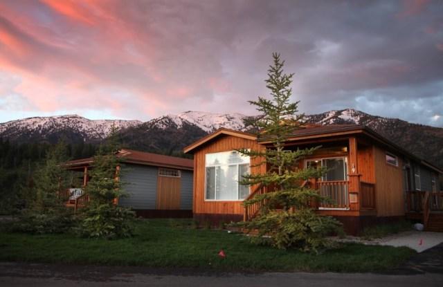 Targhee Place - 1180 Wyoming Highway 26, Alpine Northeast, WY 83128