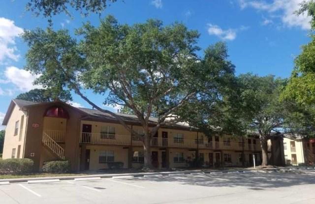 Crescent Lane Apartments - 2000 Gandy Blvd N, St. Petersburg, FL 33702