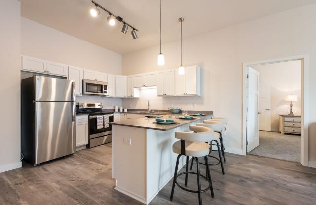 Lake Ridge Luxury Apartments - 13890 Mckenna Road Northwest, Prior Lake, MN 55379