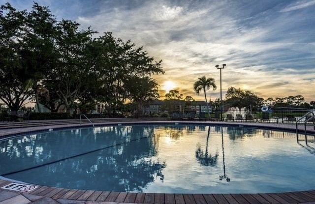 Visions at Willow Pond - 4860 Sand Stone Ln, West Palm Beach, FL 33417