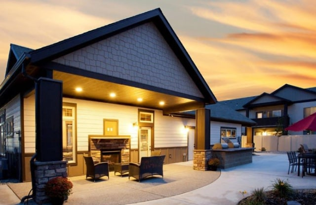 Residence at Whispering Hills West - 635 SW Golden Hills Dr, Pullman, WA 99163