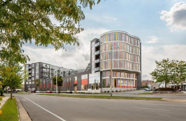 Kinetik - 2160 South Kinnickinnic Avenue, Milwaukee, WI 53207