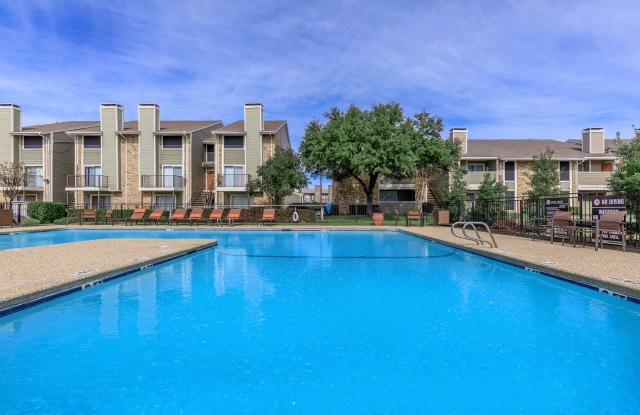Taylor Commons - 5600 Cotswold Hills Dr, Fort Worth, TX 76112