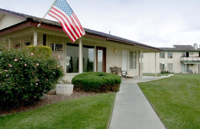 Highlander Apartments - 3030 W 4th Ave, Kennewick, WA 99336