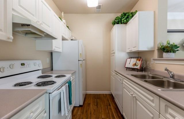 Creekside - 11920 Oakmont Street, Overland Park, KS 66213