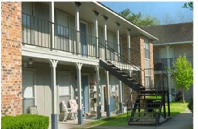 Cedar Wood - 1201 S Johnson St, Alvin, TX 77511