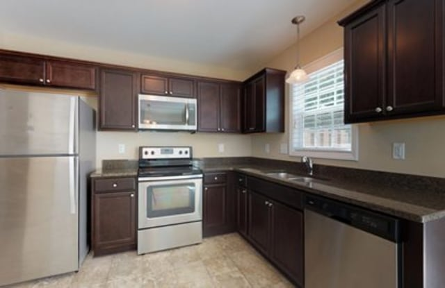 1000 Spring Forest Rd #B - 1000 Spring Forest Rd, Greenville, NC 27834