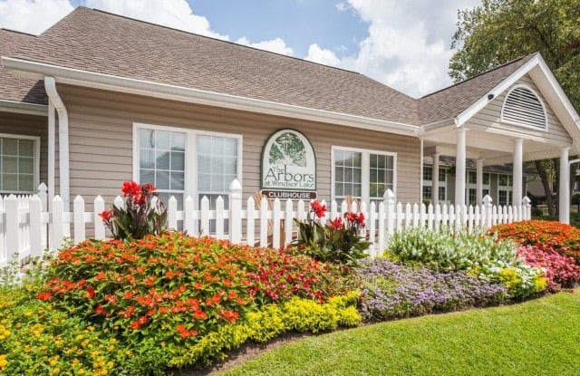 The Arbors at Windsor Lake - 8720 Windsor Lake Blvd, Columbia, SC 29223