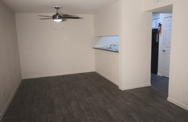 Willows Apartments - 10919 Fondren Rd, Houston, TX 77096