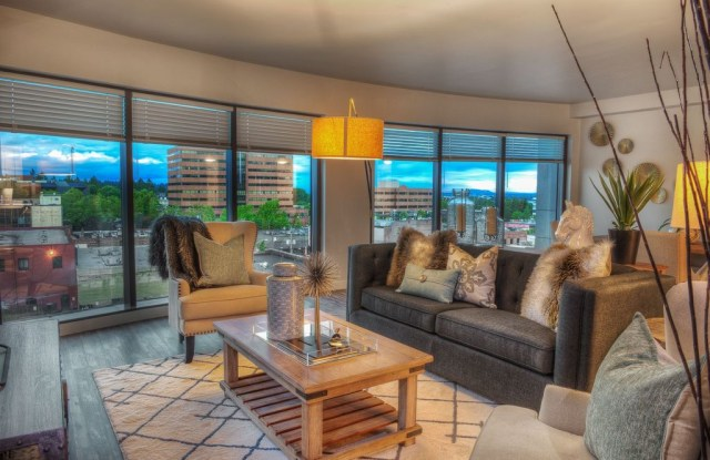 Riverview Tower - 209 W Evergreen Blvd, Vancouver, WA 98660