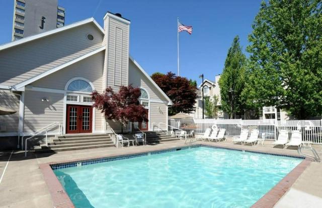 Sullivans Ridge - 1710 Northeast Multnomah Street, Portland, OR 97232