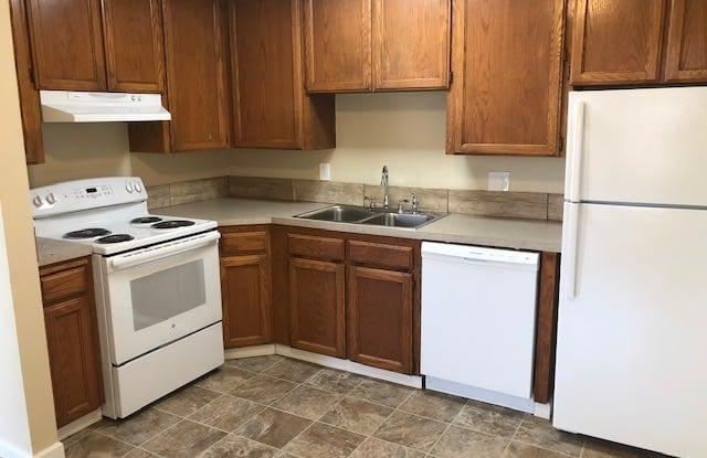 Parkview Grove Apartments - 1655 Douglas Street, Forest Grove, OR 97116