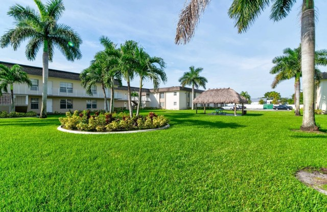 Lauder Ridge - 5600 SW 12th St, North Lauderdale, FL 33068