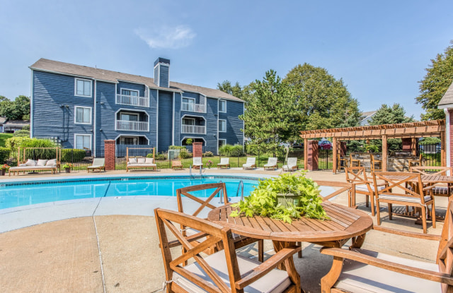 Perry 81 - 8000 Perry St, Overland Park, KS 66204