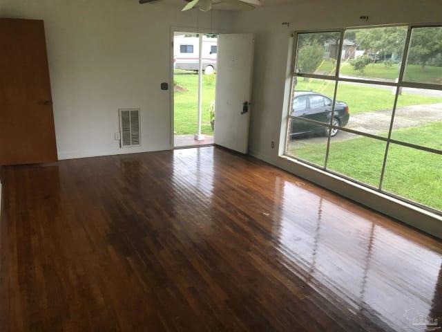 755 Woodmere Dr Pensacola Fl, Woodmere Laminate Flooring