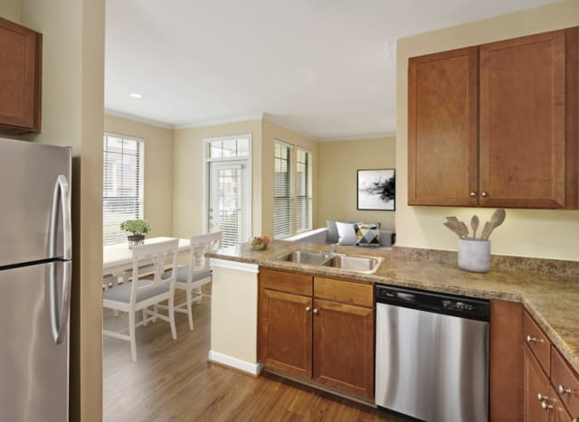 Camden Whispering Oaks Houston Tx Apartments For Rent