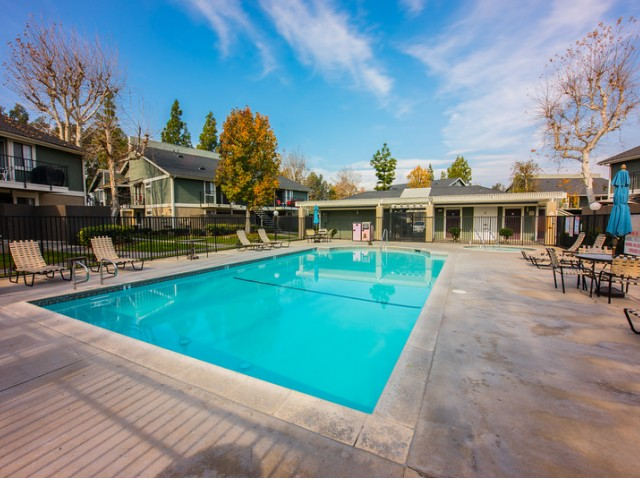 Laurel Green - Located in Riverside, CA, Laurel Green Apartment Homes offers the lifestyle you've been searching for in a beautiful and convenient setting