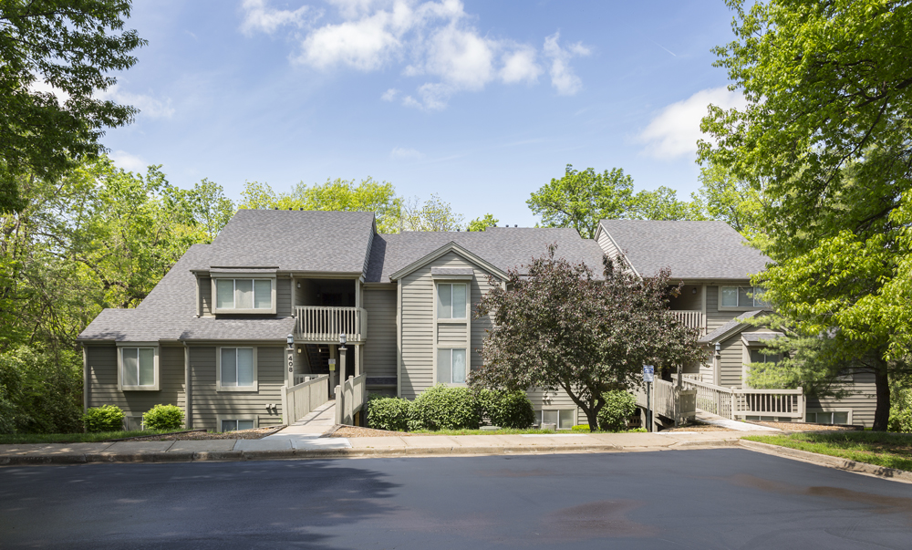 The Retreat at Woodlands Apartments