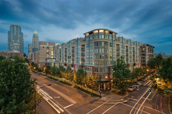 Post Gateway - Post Gateway Place offers spectacular skyline views of Uptown Charlotte, two fully equipped fitness centers, elaborate courtyards with fountain and pools, and more