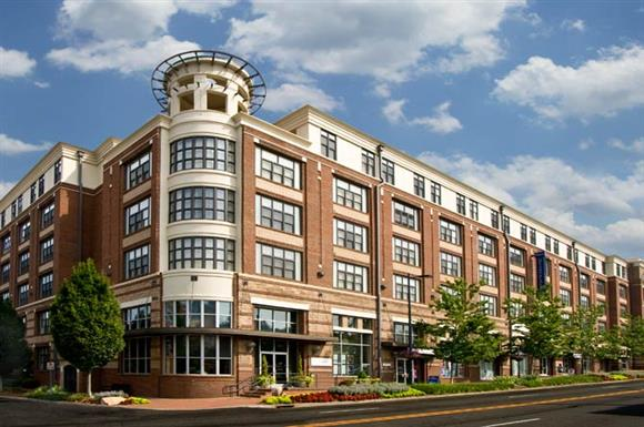Post Uptown Place - Post Uptown Place combines elegant apartment living with a convenient location close to a variety of distinctive shops and quaint restaurants